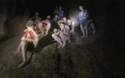 bambini-prigionieri-caverna
