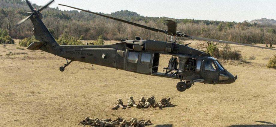 elicottero missili Usa Ungheria