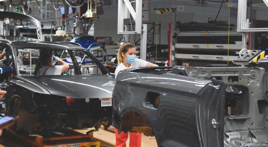 stabilimento industriale montaggio automobili Germania