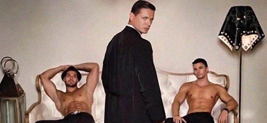 prete parroco sesso in canonica