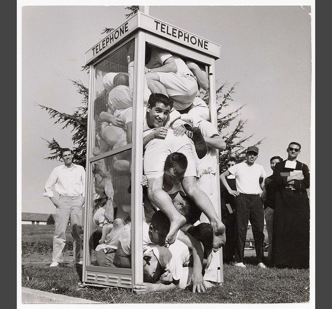cabina del telefono piena